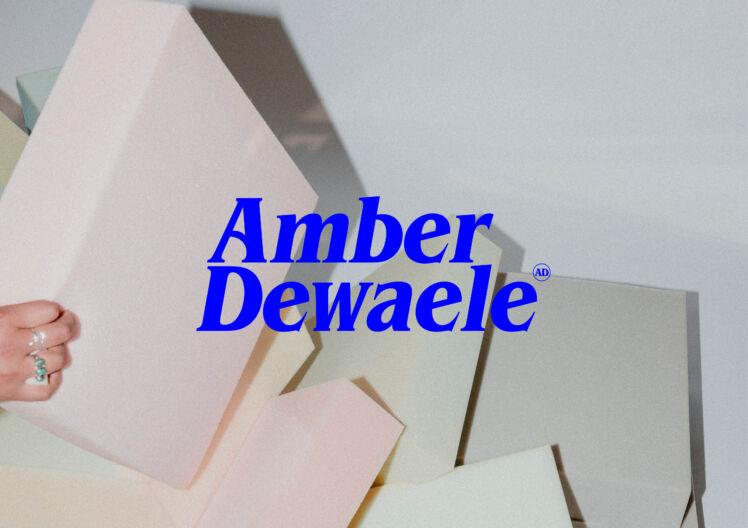 Amber Dewaele Logo Website